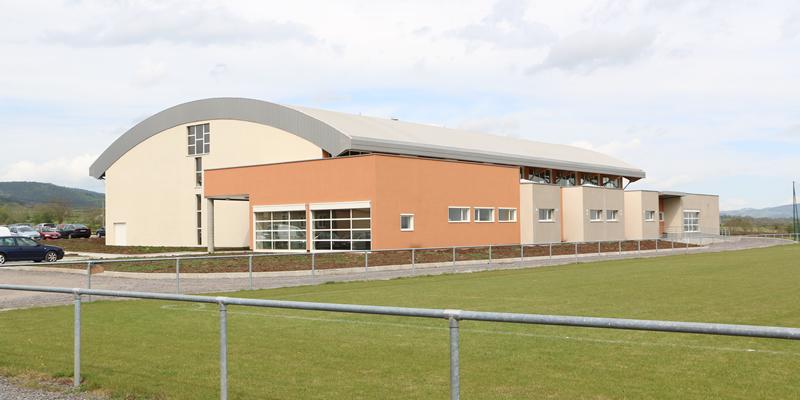 Gymnase et terrain de sport du CFA BTP Haute-Loire de Bains